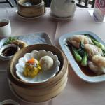 Hong Kong chee cheong fun & some other dim sum dishes
