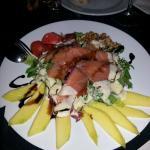 Ensalada de mango y salmón