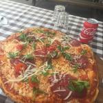 Nogle have skrevet om kedelige pizzaer uden fyld .. Kunne jeg ikke forstå da jeg tit besøger bec