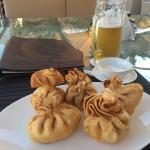 Великолепная кухня, музыка и приятное обслуживание)))