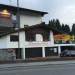 Chesa - angenehmes Restaurant, Aussichts-Terrasse