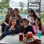 con amigos :)