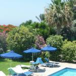 Foto de Rododafni Beach Holiday Apartments & Villas