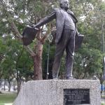 Estatua de Miguel Angel Asturias. Premio Nobel de Literatura