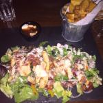 Chicken Caesar salad with wedges
