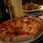 Pizza mitad pepperoni y mitad dulce