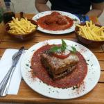 Le Petit Greek Cafe