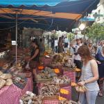 Sunday Market, rue de Seine