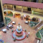 Foto de Embassy Suites by Hilton Hotel Kansas City - Plaza