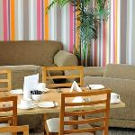 Cafe Bar 663