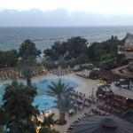 Foto de Mediterranean Beach Hotel