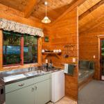One bedroom chalet kitchen