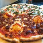 Pizza Fiorentina y Cancún (muy recomendables)