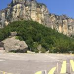 Pietra di Bismantova, as seen from the parking lot at its base.