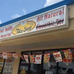 Zdjęcie Burrito Works Taco Shop