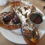 La Finestre's yummy translation of French toast was a great ending to brunch.