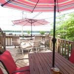 Middle Deck with views of the Mississippi River