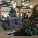 Foto de Embassy Suites by Hilton Santa Ana - Orange County Airport North