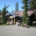 Sunwapta Lodge