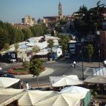 El mercado de Bra desde hotel Giardini