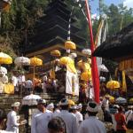 Temple ceremony at Pura Yeh Gangga