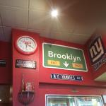 M.C.'s Brooklyn Pizzeria Foto