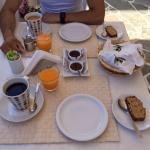 Le petit déjeuner goûteux et copieux