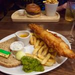 The fish&chips r really, as well as the beef burger. What's more, the waiter is very nice! Humor