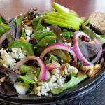 Goat cheese & walnut salad