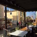 Marked uden for Rositas