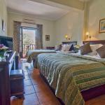 Photo de Doupiani House Hotel