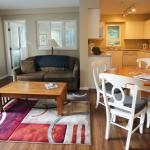 Large 2 bedroom suite living / dining
