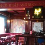 Wnętrze Highlander Whiski Bar