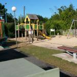 Espace jeux enfants (Balancoire, aire de jeu)