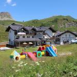 Hotel Alpenrose a Passo Rolle per bambini