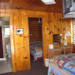 2 bed cabin/ 2 rooms