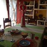 Se desayuna en un lugar hermoso y todo muy limpio