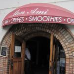Mon Ami Cafe - Pismo Beach, California (26/July/15).