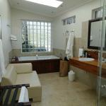 BIG bathroom with underfloor heating