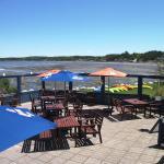 La belle terrasse face à l'anse aux Coques, Restaurant Nipigon