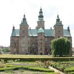 Il castello visto dal magnifico parco