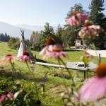 Biohotel Grafenast im Sommer inmitten wunderbarger Bergwelt und Natur.