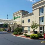 Foto de Holiday Inn Hotel & Suites Marketplace