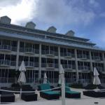 Foto de Comfort Suites Seven Mile Beach