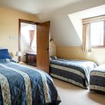 Large Family room Corsham Field B&B