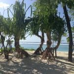 На берегу возле отеля