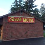 Photo de Clark's Motel