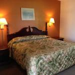 Great Lakes Inn & Suites