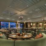 Water Star Grille Dining Room