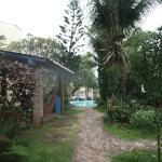 Jardim e piscina do Hotel Calanda